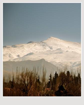 Pico Veleta desde la Alhambra. Paco Rocha